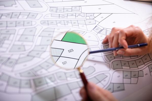 隣地購入は価格が決め手!相場や成功させるための手順を解説