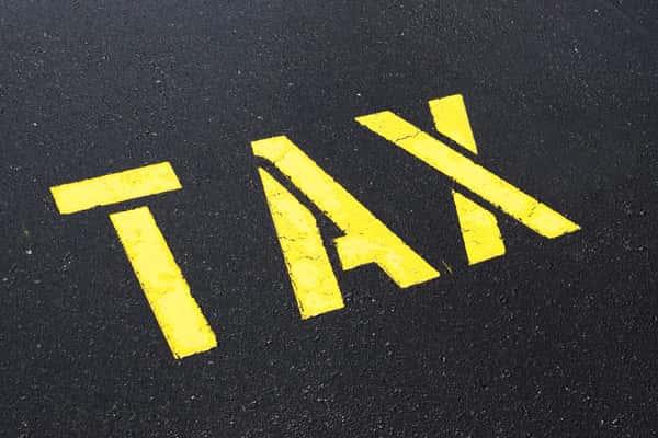 駐車場の収入にかかる税金とは? 7つの税金と節税方法を解説